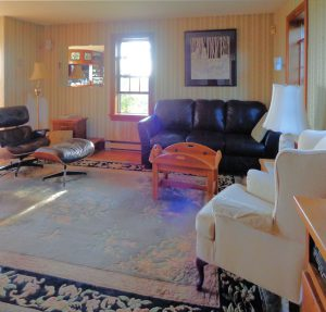 house-sale-living-room-3